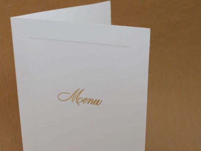 menu bianco con bordo in rilievo